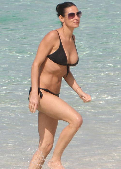 Demi Moore en bikini presumiendo cuerpazo FOTO