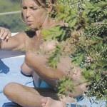Guendalina-Canessa-topless4