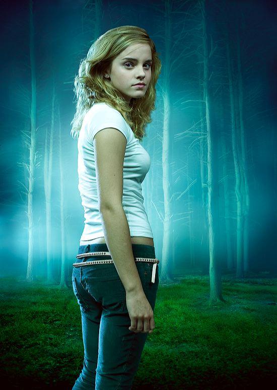 Emma Watson photo sexy e upskirt
